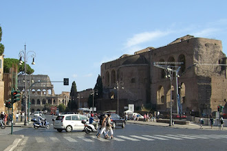 Photo: On the way to the Colosseum in Rome, Italy