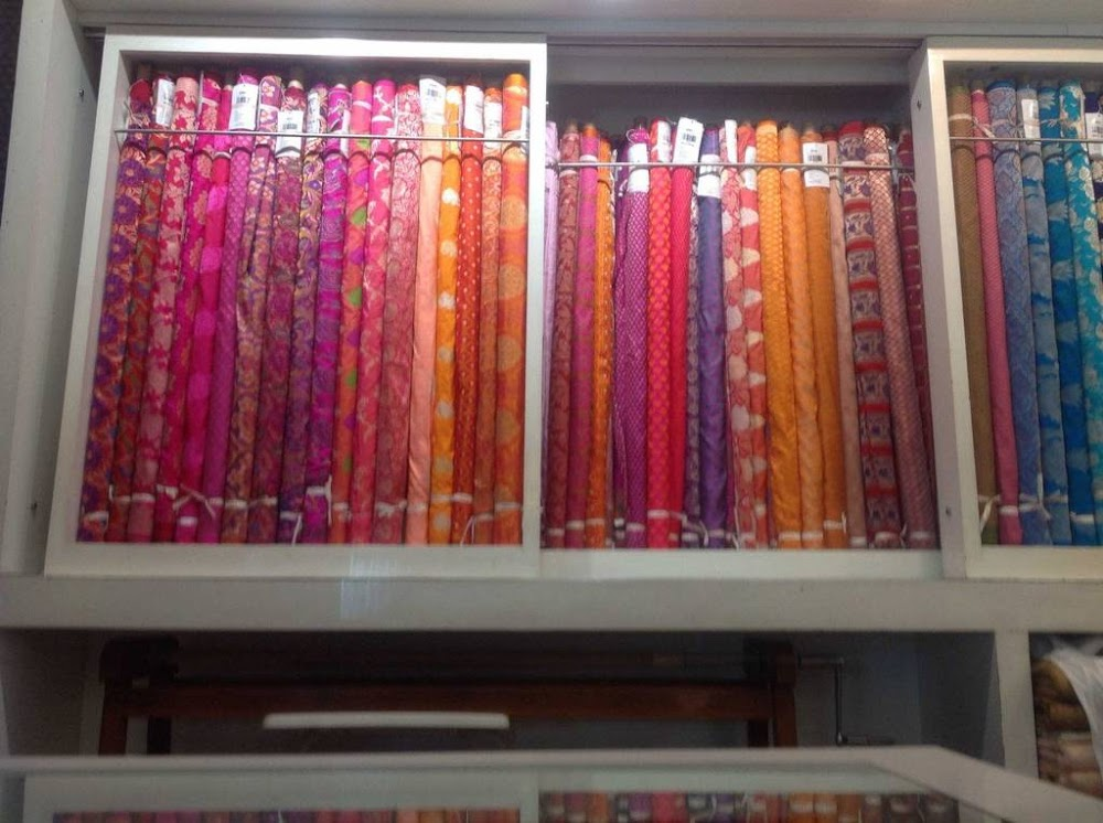 saree-shopping-in-bangalore-mg-road-latest-saree-trends_image