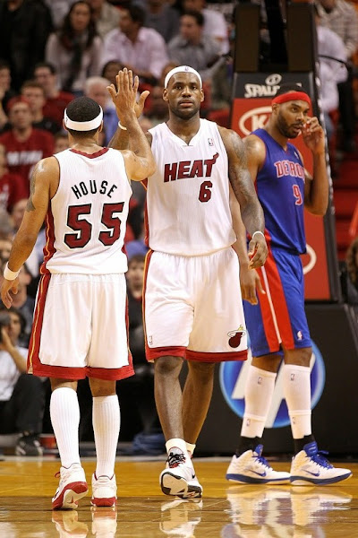 LeBron Torches Magic for 51 Points Sets Miami Heat Record with 23 in First Quarter