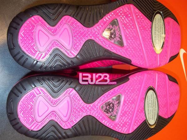 Nike Air Max LeBron 8 V2 GS amp Kids 8211 Pink FireBlack