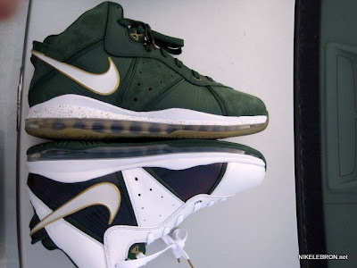 nike air max lebron 8 pe svsm home 3 06 Nike Air Max LeBron 8 V/1   SVSM Home&Away   Detailed Look