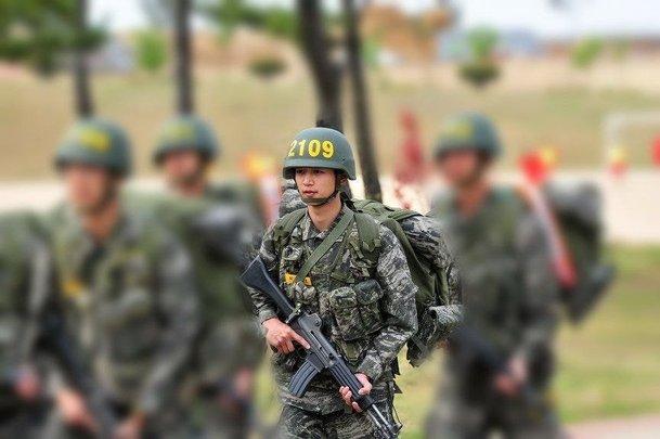 shinee minho army 2
