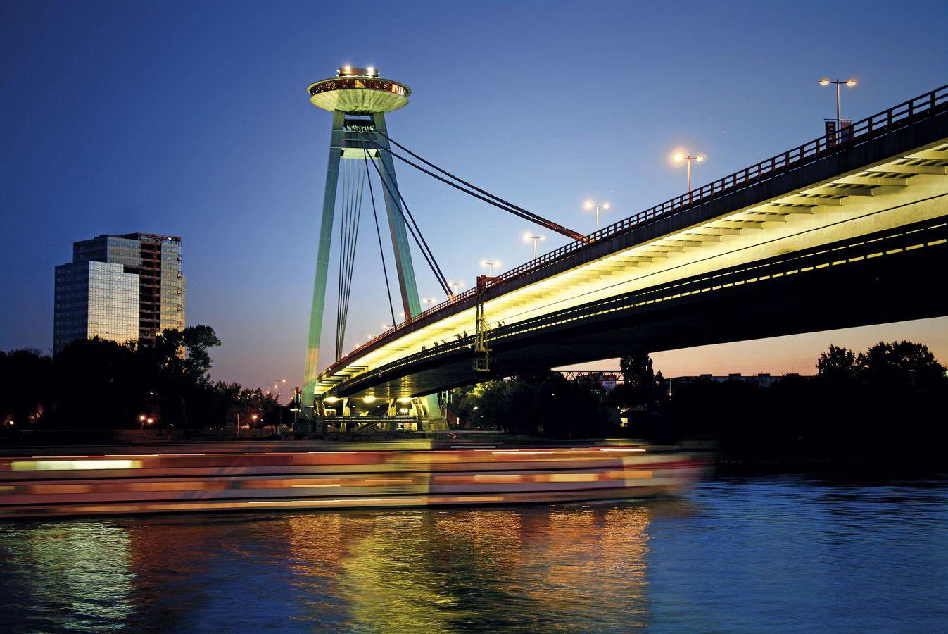 csm_Bratislava_MostSNP_Schreiber%20%285%29_dd2f777496.jpg
