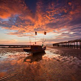 Stranded Boat by Yohanes Irawan - Landscapes Sunsets & Sunrises ( paloh, kalbar, temajuk )