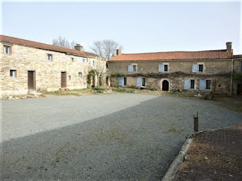 manoir à Chantonnay (85)