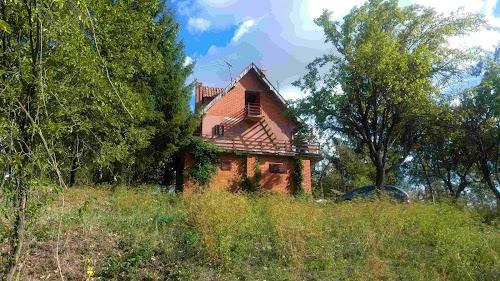 Fruška gora - Nacionalni park, kuća P+1+ Pk,160 m2 + imanje 1 ha