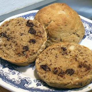 NANCY'S CHOCOLATE CHIP PECAN SCONES