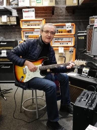 Una de las facetas no tan conocidas de Miranda Hita es la de virtuoso de la guitarra. Fue uno de los miembros del Trio Richoly.