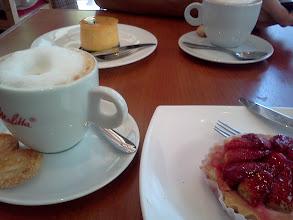 Photo: 久しぶりのお上品系ケーキでお茶