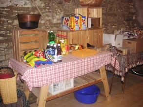 Photo: Vorratstisch in der Küche