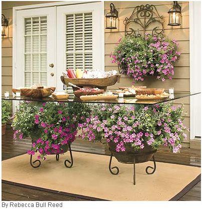 flores para decorar una mesa de exterior