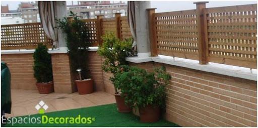 Decorar con cerramientos celos as y vallas decora decora for Cerrar valla jardin