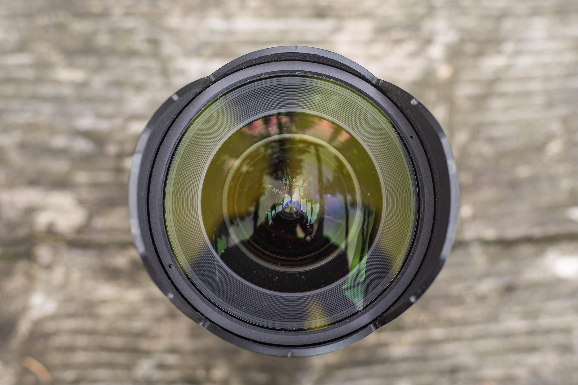 Samyang 14mm 1:2.8 Front lens