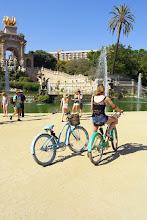 """Photo: zdjęcie Ani : """" Electry w cieniu Wodnej Kaskady projektu m.in. Antonio Gaudiego w parku de la Ciutadella w Barcelonie """""""