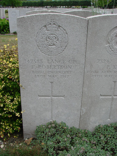 Frank Robertson grave