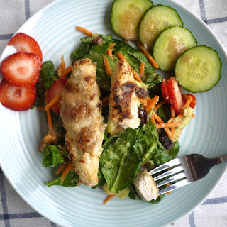 Strawberry-Kiwi Chicken Tender Salad (paleo, GF)