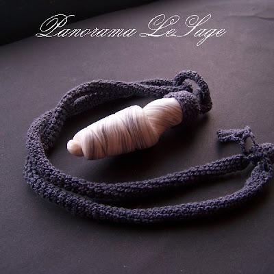 wisior z masy polimerowej fimo naszyjnik biżuteria kwiatowy polymer clay Panorama LeSage zrobiłam was na szaro kolekcja Jesień Zima 2011