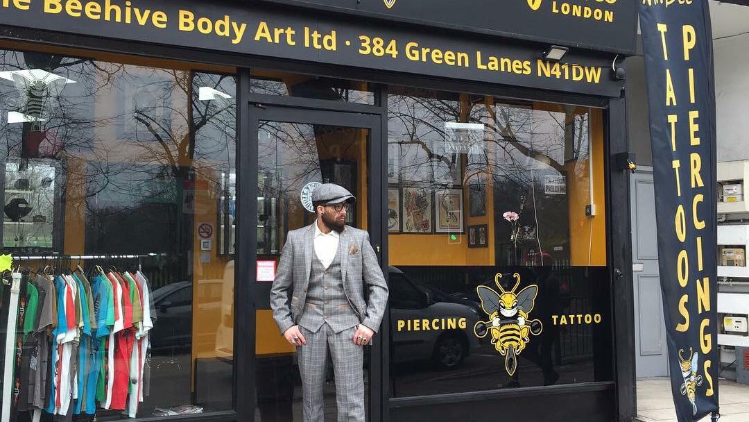 Tattoo Piercing Shop Mr Bee Body Art London Tattoo And Piercing Shop