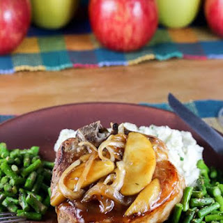 Smothered Pork Chops with Onions and Apples (Gluten-Free)