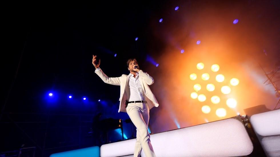 El artista almeriense elogió a su provincia durante todo el concierto
