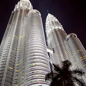 Petronas Towers by Israr Shah - Buildings & Architecture Office Buildings & Hotels ( kl tower, twin towers, malaysia, petronas towers, kuala lumpur )
