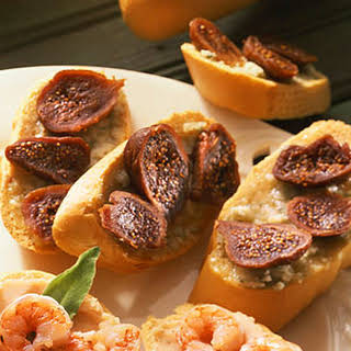 Crostini with Honey, Gorgonzola, and Figs.