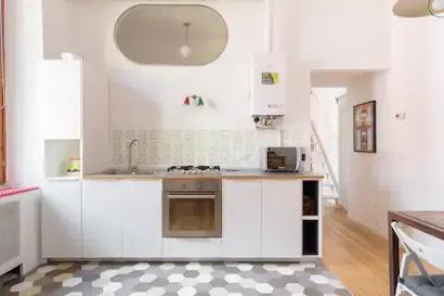 Isola White Serviced Apartment, Vibrant Isola