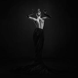 Black godess by DMYTRO SOBOKAR - Nudes & Boudoir Artistic Nude ( blackandwhite, sobokar.com, b&w, nude, woman, art, sobokar, professionalphotographer )