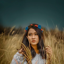 febri 1 by Deny Prasetiyo - People Portraits of Women