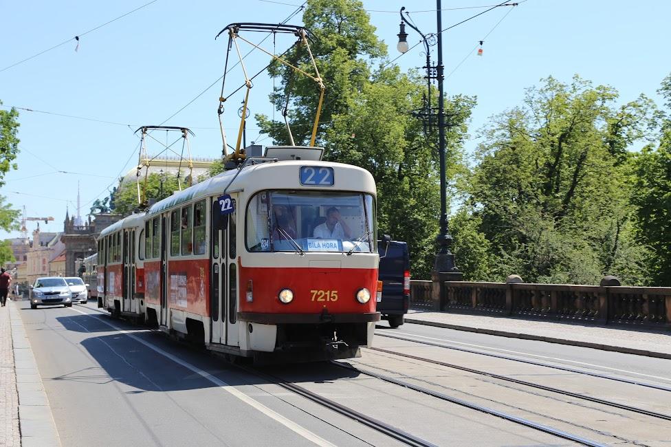 Praga, tramwaj 22 na Moście Legii, Tramwajem po Pradze
