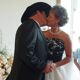 by Will McNamee - Wedding Bride & Groom ( dld3us@aol.com, gigart@aol.com, aundiram@msn.com, danielmcnamee@comcast.net, mcnamee2169@yahoo.com, ronmead179@comcast.net,  )
