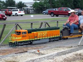 Photo: BNSF 9944 with David Hannah    HALS 2009-0919