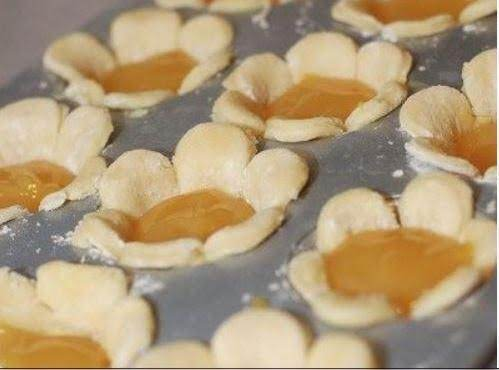 Use Cookie Cutters For Mini Pie Crusts Recipe