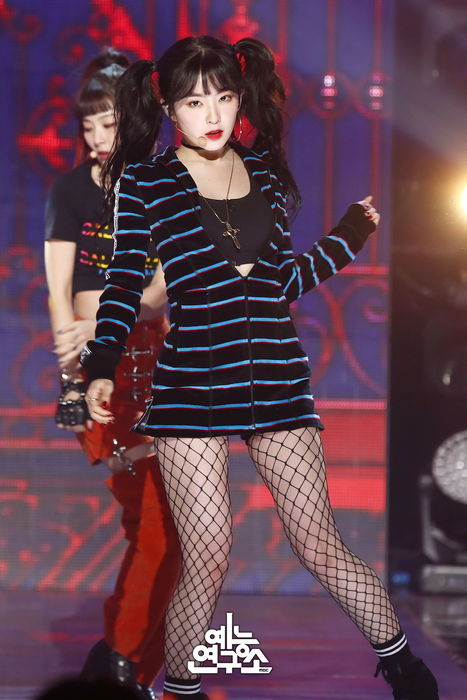 20 Idols Who Caused Jaws To Drop In Sexy Fishnet Stockings ... | 1500 x 2250 jpeg 335kB