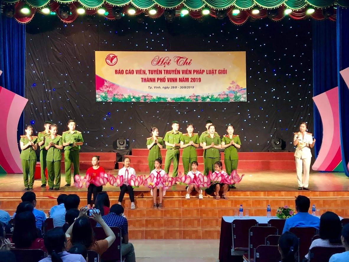 Đội thi Công an TP Vinh tại Hội thi