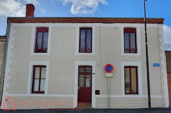 maison à Saint-Laurent-des-Autels (49)