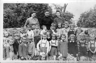 Photo: Óvodások, 1954/55, Magyarics Ferdinándné, Bokor Magda, Lancz Józsefné