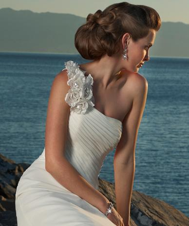 Beach.Wedding.Gown