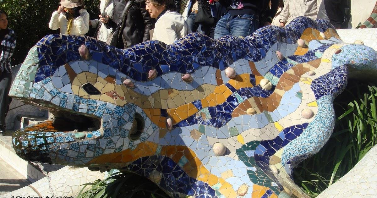 Una salamandra en el parque g ell en barcelona blog de for Salamandra barcelona