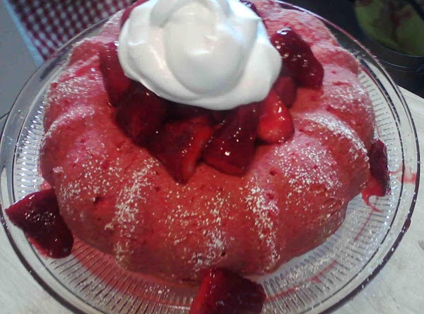 Strawberry Strawberry Bundt Cake Recipe