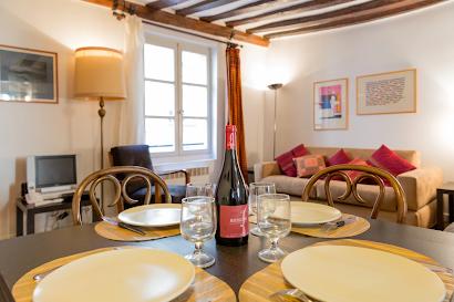 Bretagne Serviced Apartment, Marais