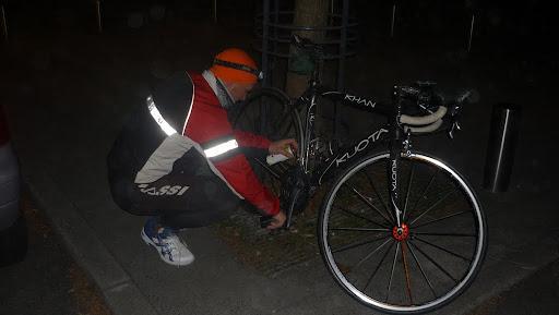 Valex vérifie le vélo