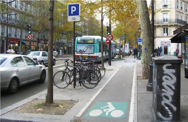 велодорожка в Париже
