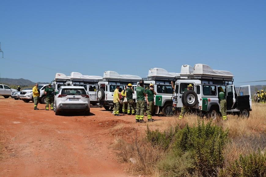 Gran parte de los efectivos han abandonado la zona después de que el incendio fuera controlado a las 12:30.