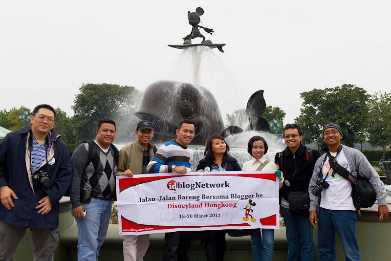 Nunik dan 8 blogger