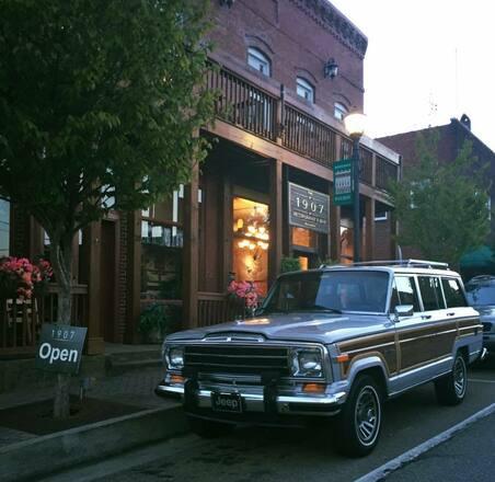 """Grand Wagoneer """"Woody"""" Jeep Hire Georgia"""
