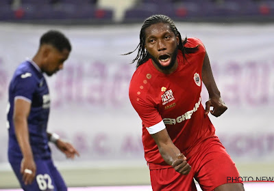 Dieumerci Mbokani veut rester à l'Antwerp!