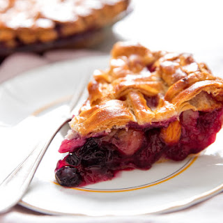 Late-Summer Mixed-Fruit Pie.