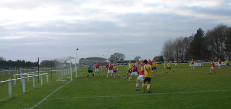 Photo: 26/12/07 v Bisley Sports (Hellenic League Division 1East) 1-1 - contributed by Martin Wray