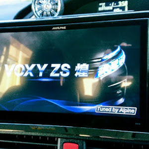 ヴォクシー ZRR80W ZS煌 前期のカスタム事例画像 ★カズやん★さんの2018年12月30日17:00の投稿